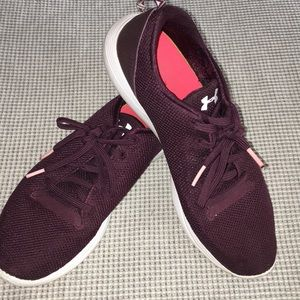 Under Armour maroon tennis shoes